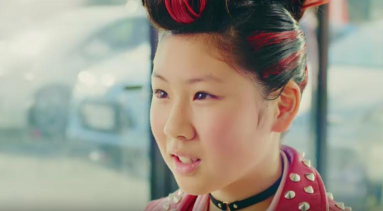 トヨタT−UP(ティーアップ)のCM ギターを弾く女の子は誰?