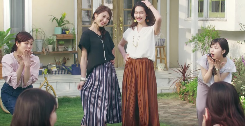 ベルーナのガウチョパンツのCM 二人の女性は誰?美人で可愛いと話題に!