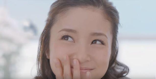 可愛すぎる主婦の顔の上戸彩(女優)AOKI 3点目0円 TVCM
