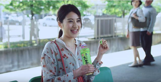 お~いお茶CM 可愛すぎる花柄のブラウスの女の子(女優)は誰?「ゆずプレミアムLIVE」ご招待キャンペーン