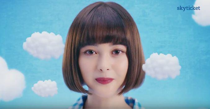 スカイチケットCMで(女優)玉城ティナが重大発表!可愛いと話題に!