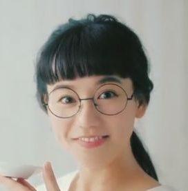 あごだしのくばら メガネをかけた美人な女性(女優)の名前は?山本 由貴(やまもと ゆき)さん!