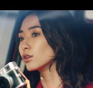 CM 日産 デイズを運転する赤い服の美人な女性は誰?名前は?吉田 沙世(よしだ さよ)さん!