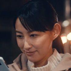 LINE クローバフレンズ CMに女優の池田 香織さんが出演!ママ役の女性が美人!