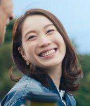 スバル レヴォーグのCMに女優のキタキ マユさんが妻役で出演!助手席に乗る美人な女性に注目!