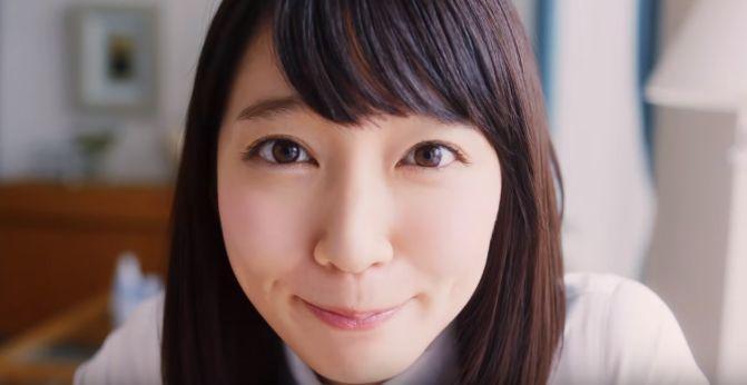 UR CMに女優の吉岡里帆さんが出演!自撮りして紹介する女性が可愛い!