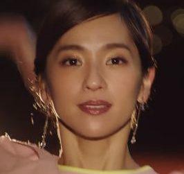 Ban(バン)汗ブロック CMの女優は誰?着たい服を着る美人な女性に注目!