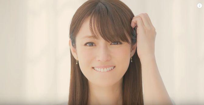 ビスコ CMの深田恭子が美人すぎる!幼少期の写真がめちゃ可愛いと話題!