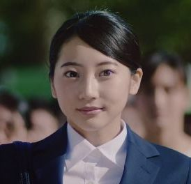 リクナビ 2019 CMの女優は誰?名前は?スーツ姿の女性が可愛い!