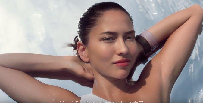 ソノヤ・ミズノ化粧品メーカーのモデルの顔