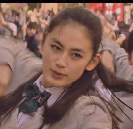 ポカリスエット CMの女優は誰?先頭で踊るモデルの八木莉可子さんが可愛い!