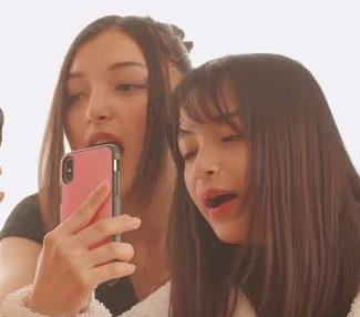 LINE 顔ゲーム(Face Play)CM 女子高生の女の子が姉妹?