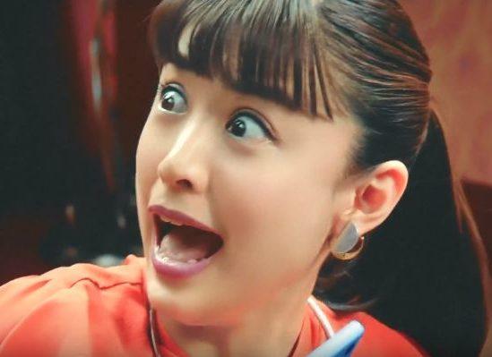 ビッグローブモバイル CMの女優に注目!カッパに驚く女性が可愛い!!