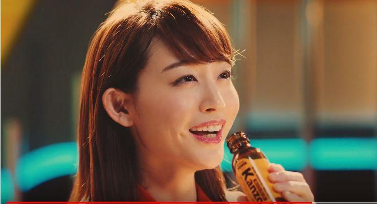 カンゾドリンク CMの女優は誰?キャスター役の女性が可愛い!八嶋智人と共演!