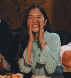 ミンティア カラオケ篇 CMの女優は誰?水色の服のロングヘアーの女性が可愛い!