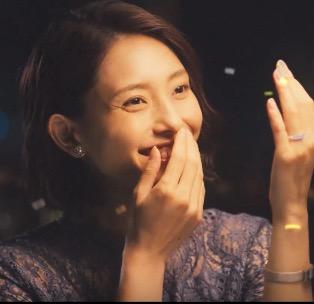 西鉄テレビCM「幸せのそばで」篇に出演している女優は誰?