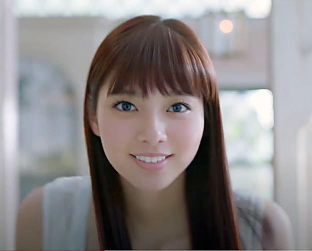 めっちゃ可愛い!ビューティーラボのCMの女の子は誰?新川優愛さんが出演!