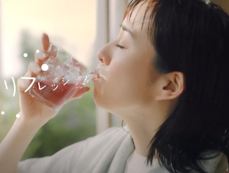 比嘉愛未さんと浅利陽介さんが共演!ミツカンの黒酢のCMを紹介!